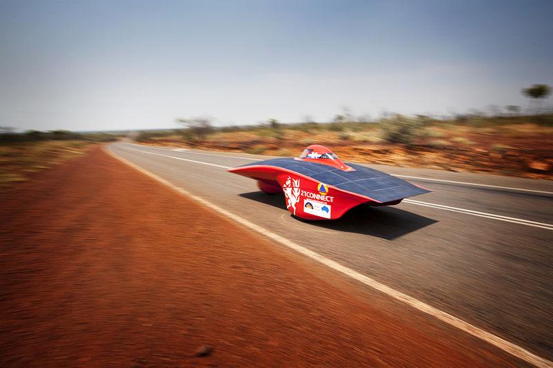 güneş panelli otomobil