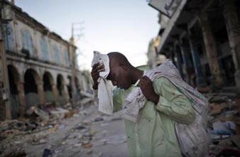 Depremzede Haitili
