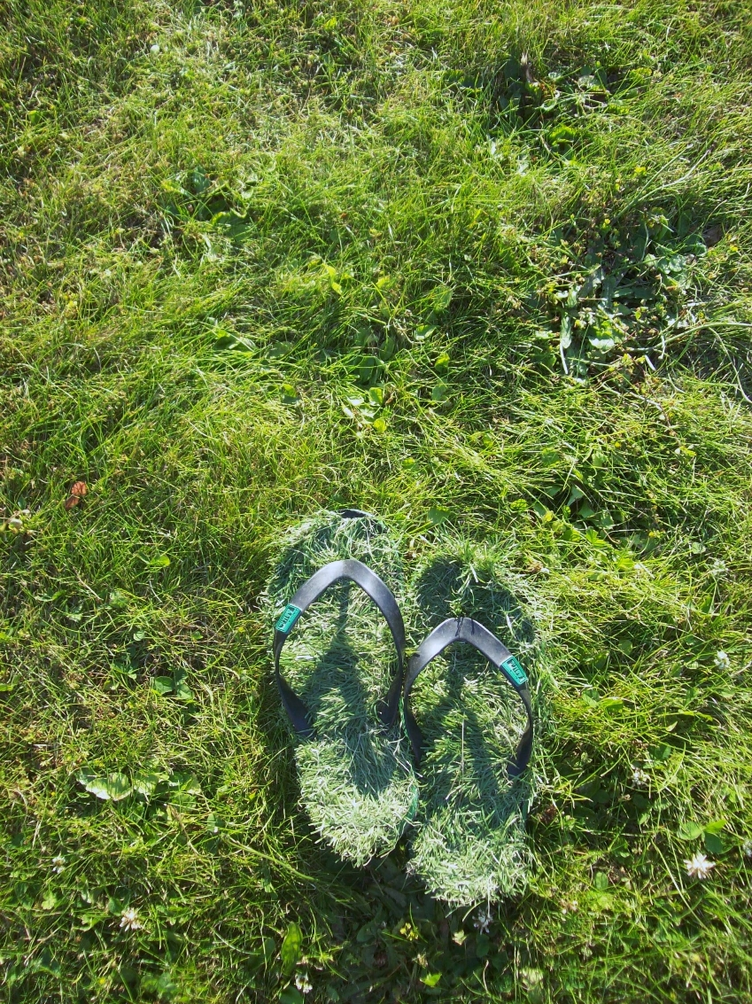 yapay çimenli terlikler